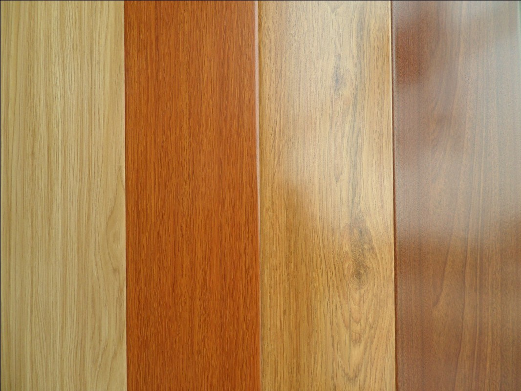 China High Quality Laminate Wood Flooring Photos