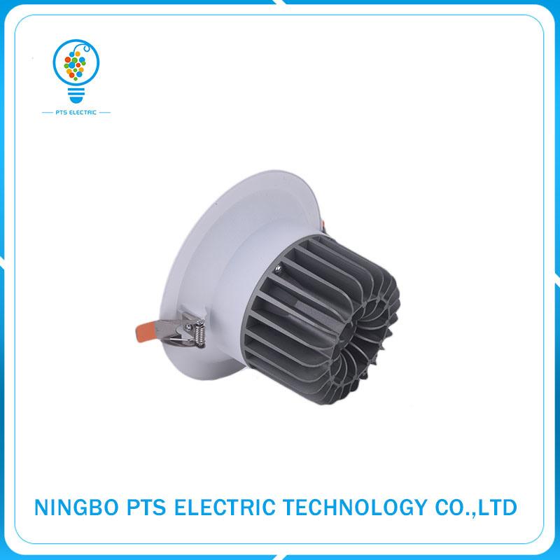 15W 1350lm Hot Sale Lighting Fixture Recessed Waterproof LED Downlight IP40