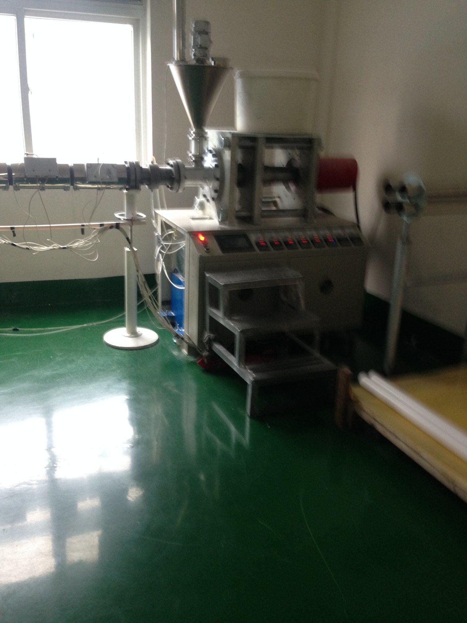 Horizontal RAM Extrusion Machine for UHMW-PE