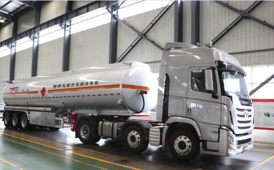 Special Desiel Engine 50cbm Aluminium Alloy Tanker