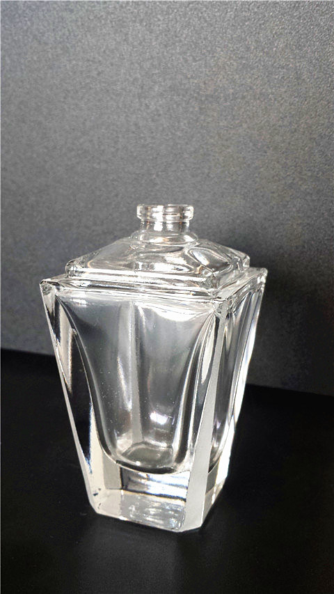 Perfume Bottles with Promoting