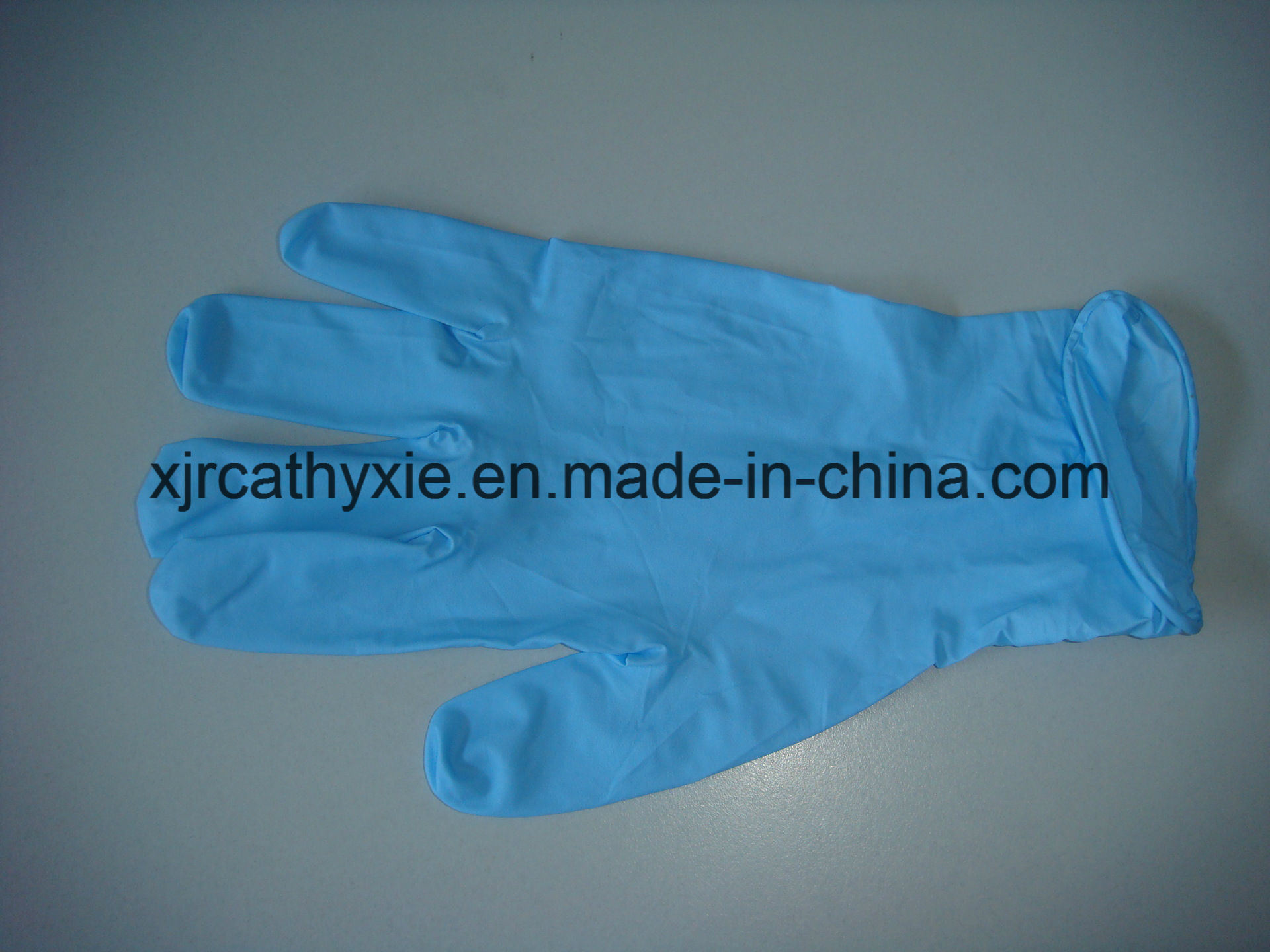 Non Sterile Disposable Nitrile Gloves (Powder Free) with Good Price