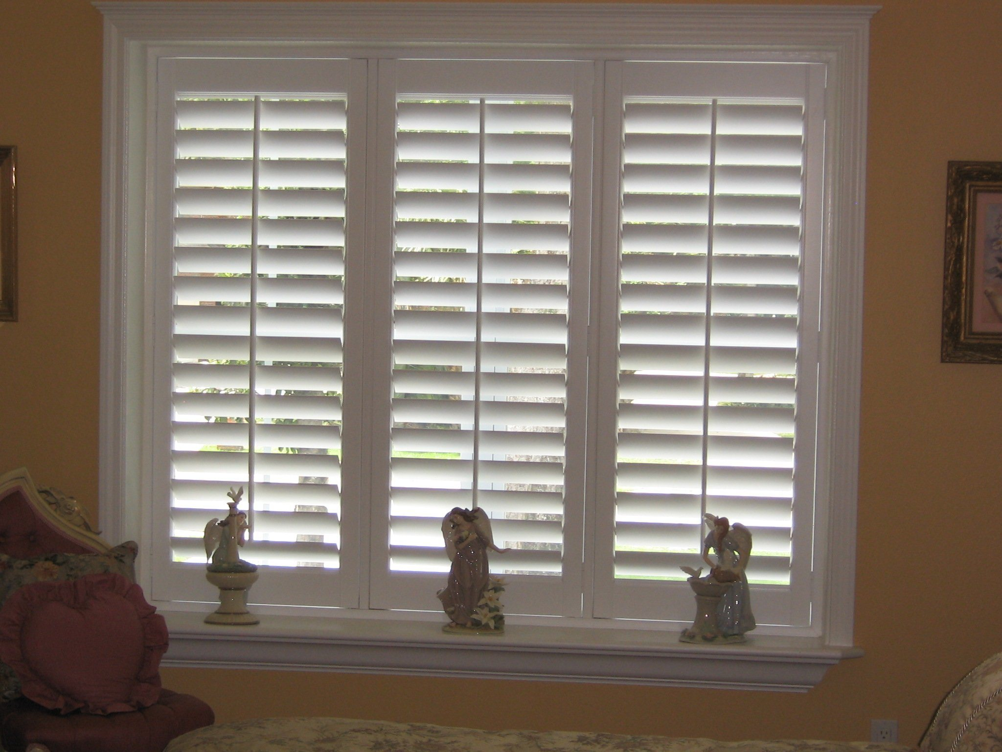 2017 Poplar Wood White Plantation Shutter