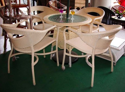 What's Synthetic Rattan Furniture, Any Good?
