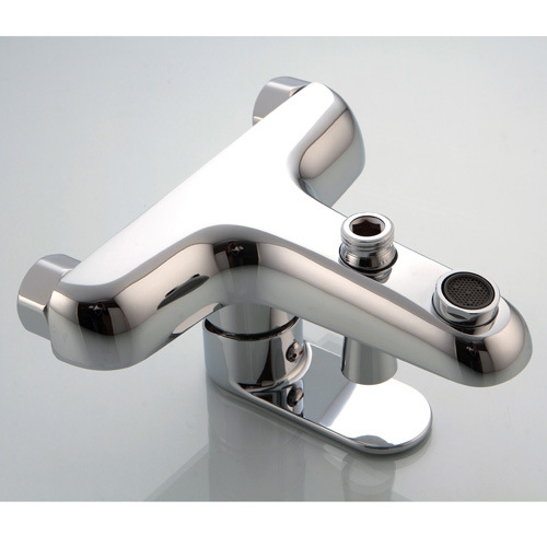 Contemporary Brass Bathtub Faucet with Chrome Finsih