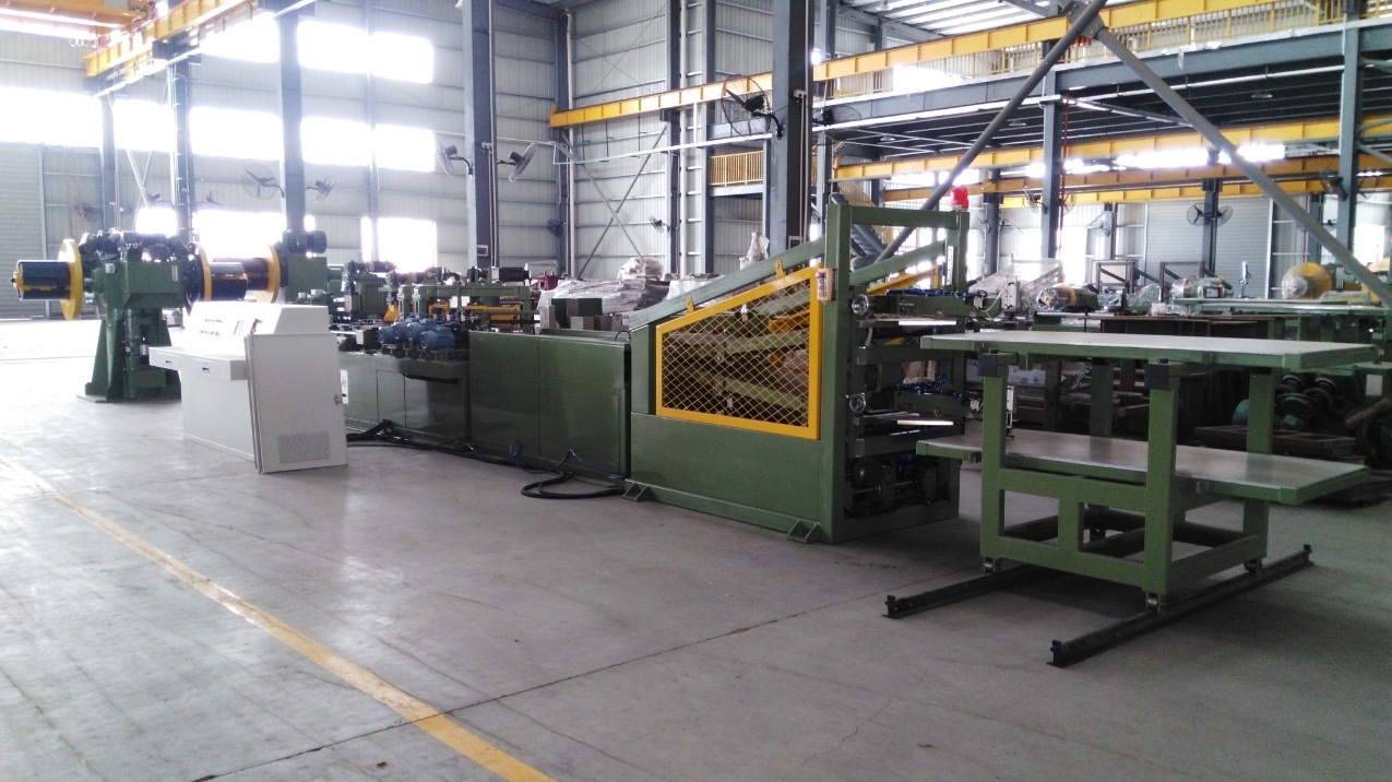 Automatic Cut to Length Line - Two Cutter O Punch and V Notch Ctl