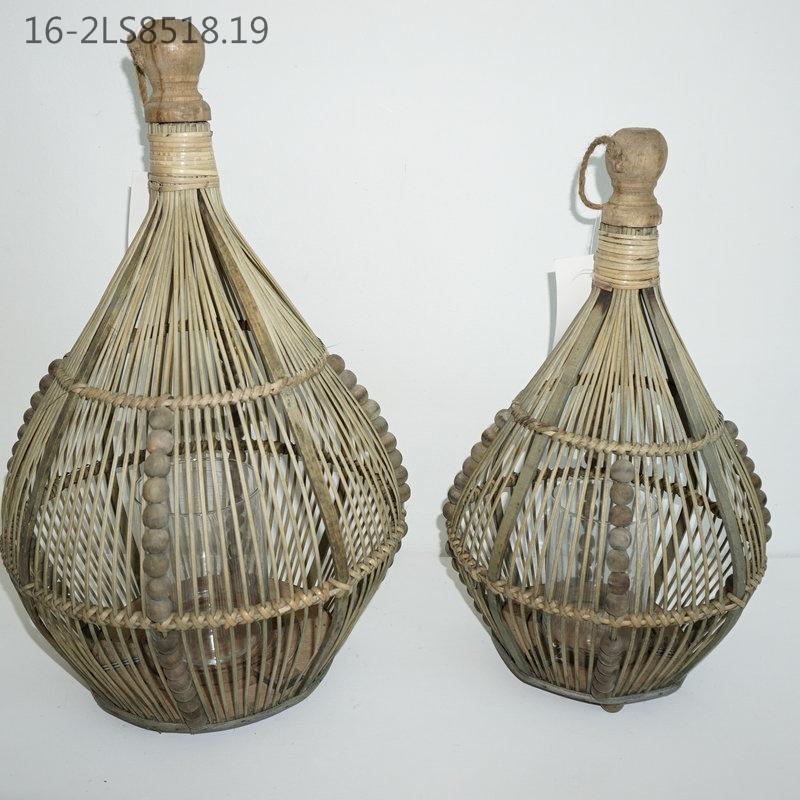 Three Colors of Characteristic Bamboo Lanterns