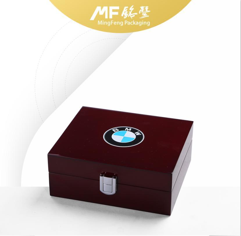 Customized High-Grade Varnished Wooden Electronics Display Box