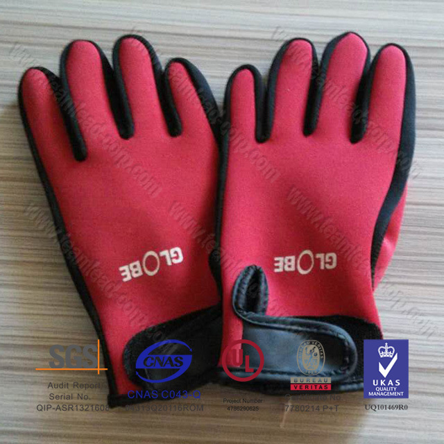 Men′s Neoprene Diving Gloves Sports Gloves Surfing Gloves (QK-G02)