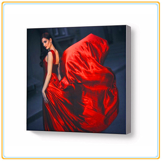 Fashionable Silicon Edged Fabric Light Box