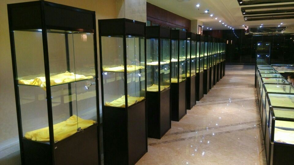 Glass Customized Jewellery Display Showcase and Shop Counter Design and Tower Display