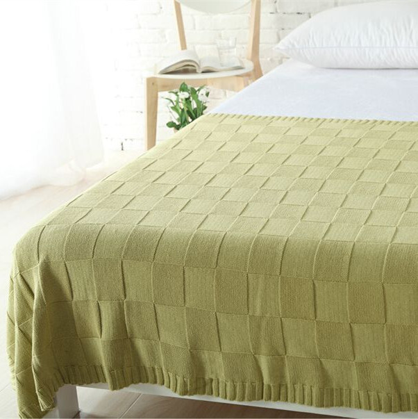 Embossed Plaid Blankets / Throw for Spring and Autumn