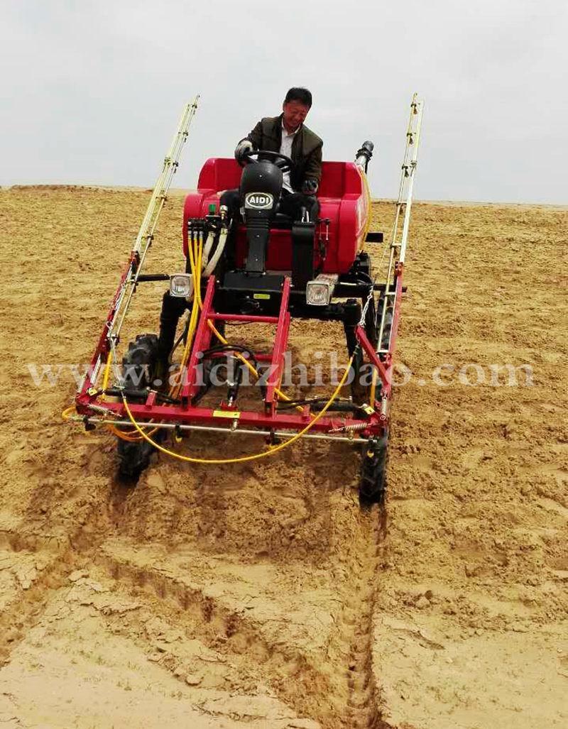 Aidi Brand 4WD Hst Self-Propelled Mist Boom Sprayer for Muddy Farm and Field