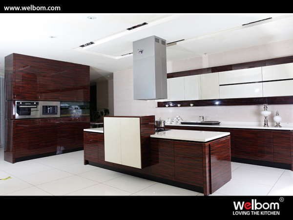 China wood grain with high gloss lacquer kitchen cabinet for High gloss kitchen cabinets