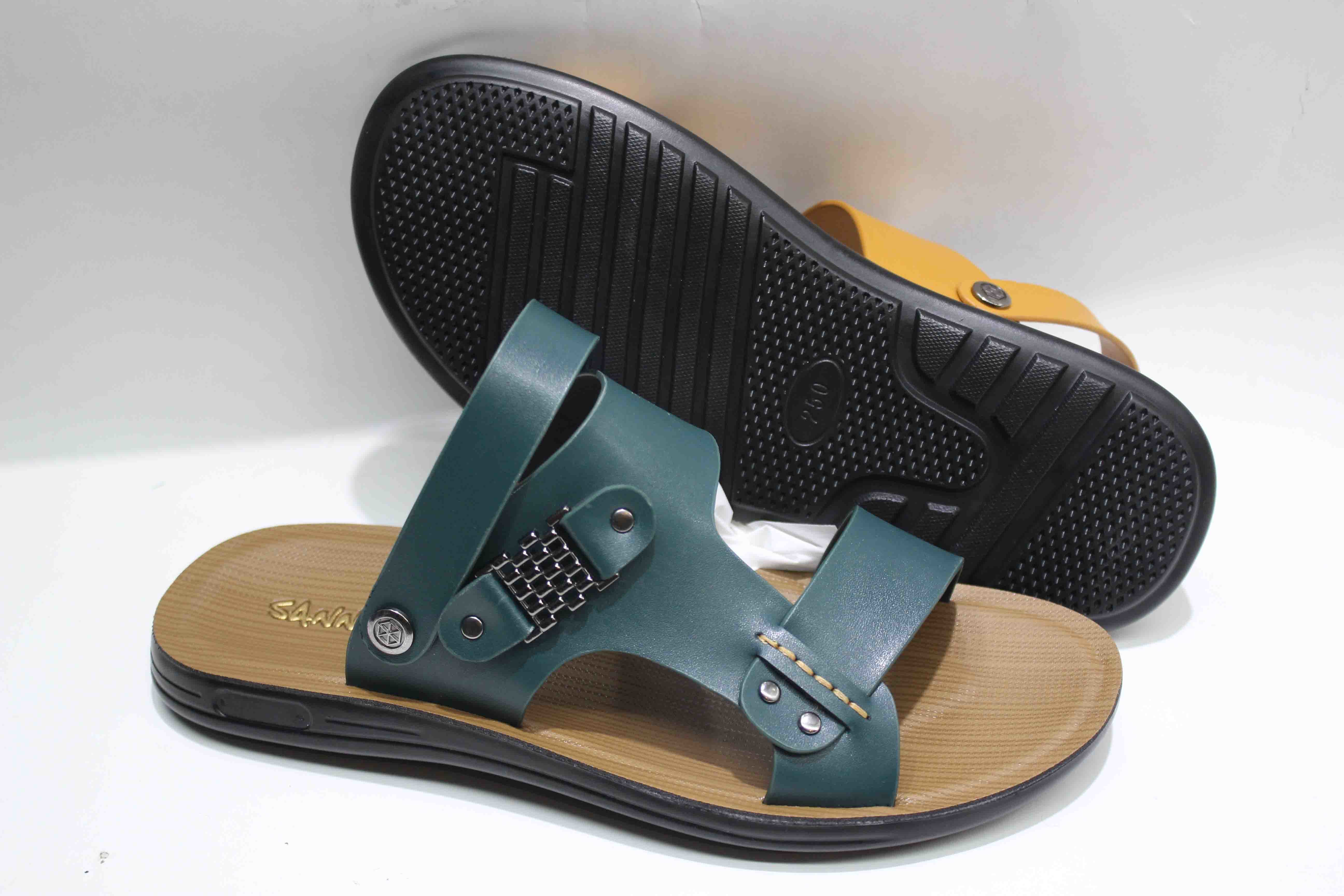 New Design Men′s Beach Sandal with Leather Upper (SNB-13-002)