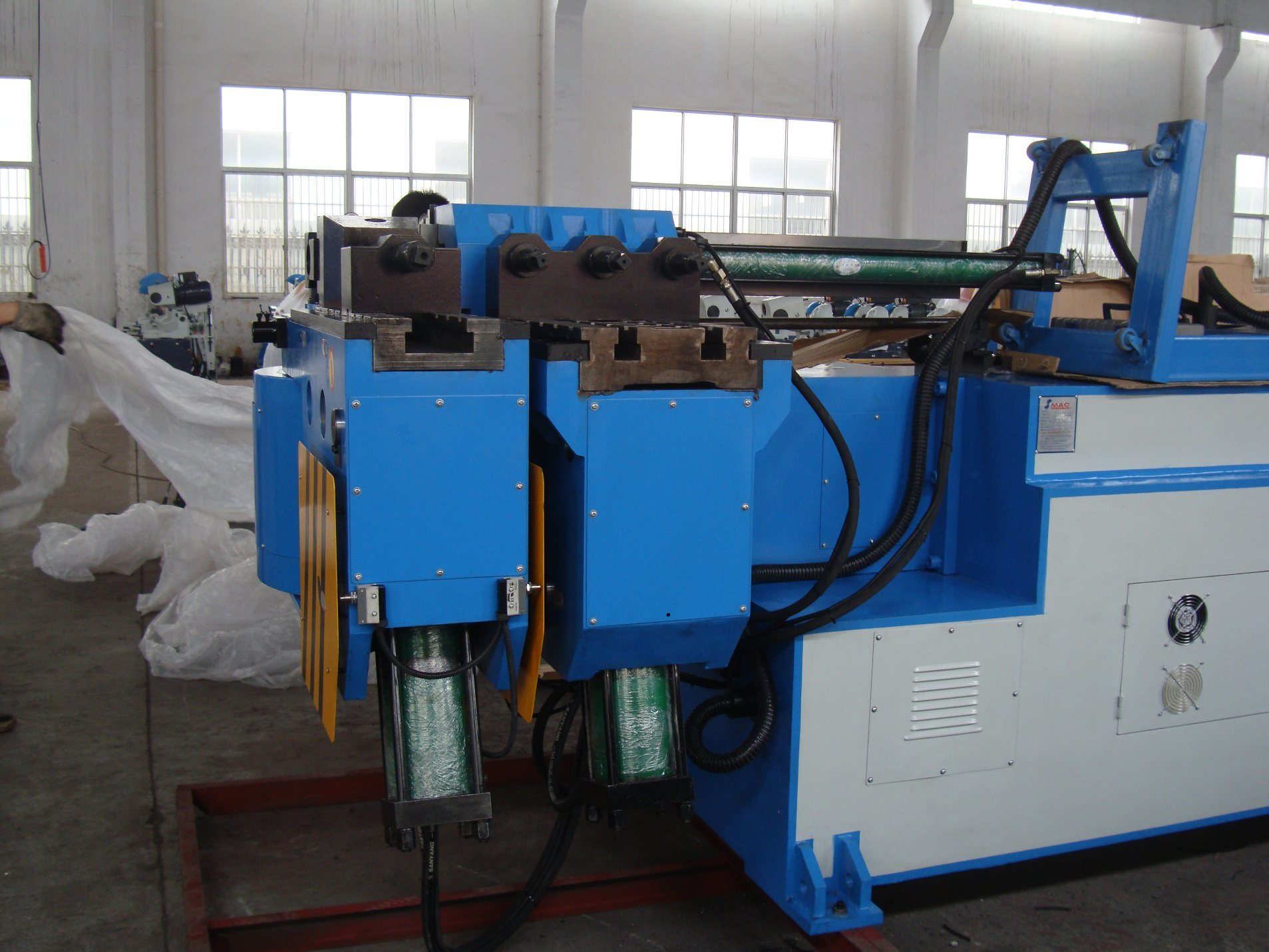 Truck Exhaust Pipe Bending Machine (GM-SB-129NCB)