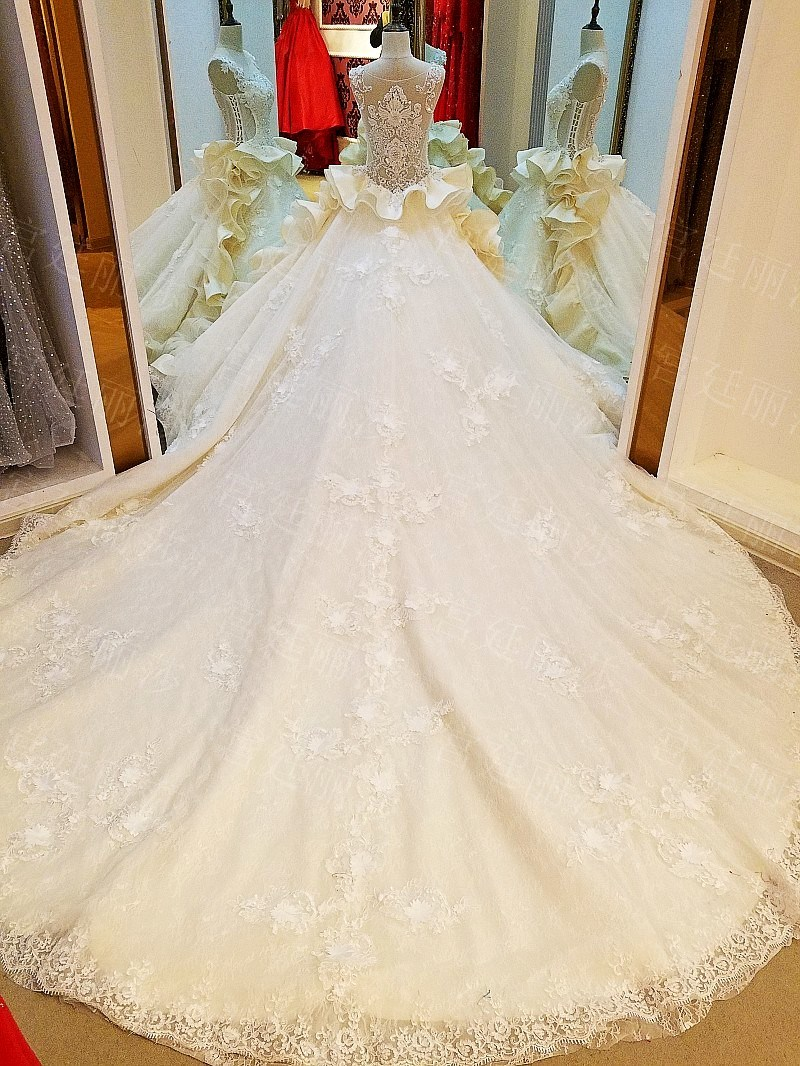 New Arrival White Satin Mermaid Sweetheart Lace up Back Chapel Train Appliqued Beaded Wedding Gowns 2017