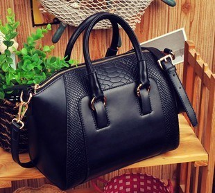 Crocodile Pattern Women′s Shoulder Handbags