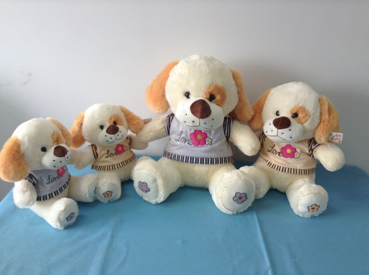 Plush and Stuffed Bear Toy for Gift