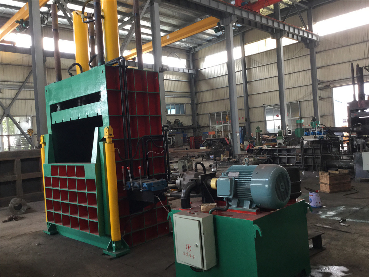 Y82-400 Hydraulic Vertical Packing Machine