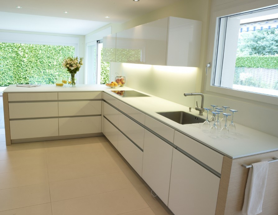 High Gloss White Kitchen, Baked Paint Kitchen Furniture, Cabinet