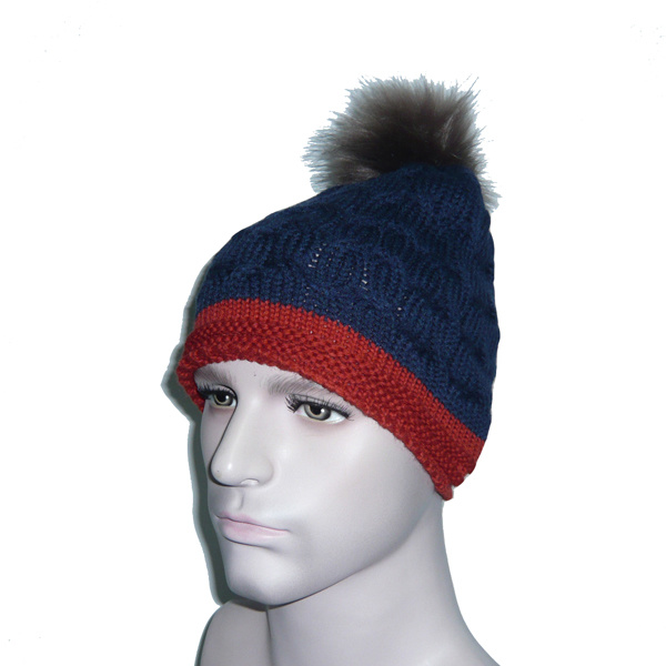 Stitching Color Knitted Hat with Ball