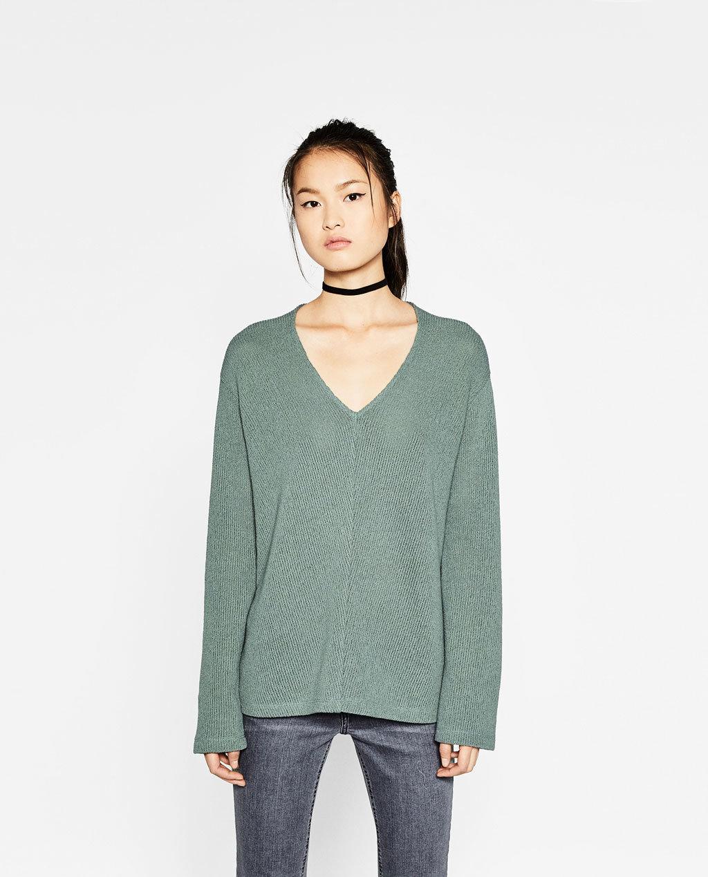 Fashioned Women Knitting Sweaters