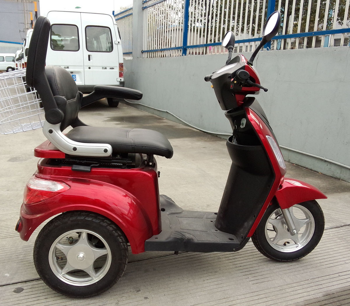 Electric Passenger Tricycle for Old People and Disabled People