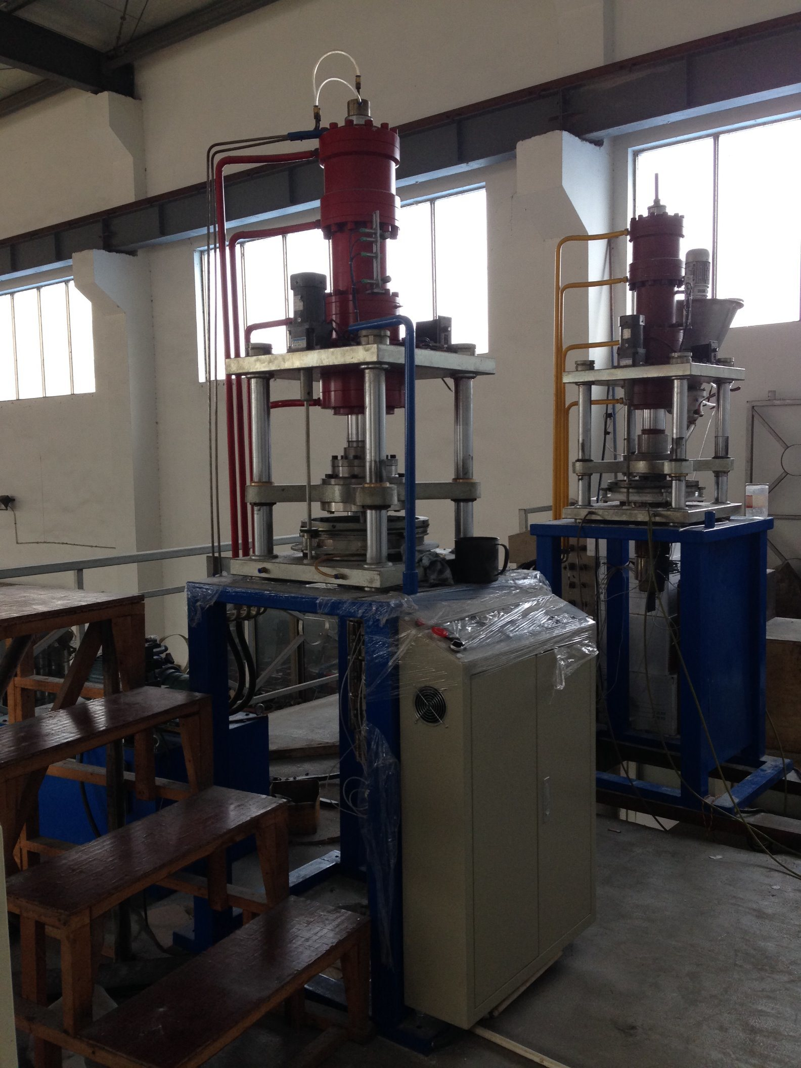 Automatic Vertical PTFE Tube RAM Extrusion Machine