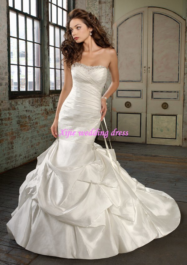100 Guaranteed 2011 New Gorgeous Beaded Strapless Mermaid Wedding