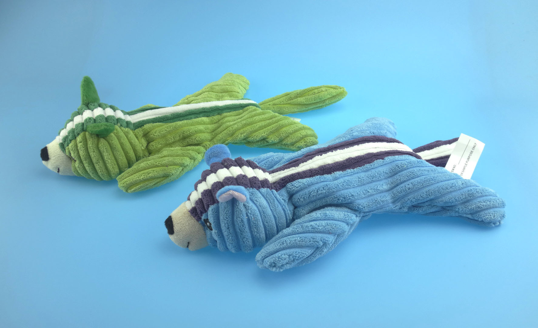 Non-Stuffed Skunk Toy for Dog Biting with Four Colors