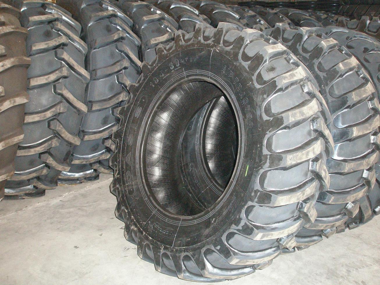 AGR Tires (11.2-24 14.9-28 16.9-30 18.4-38)