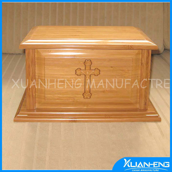 Cedar Wood Urn with Groves of Bamboo