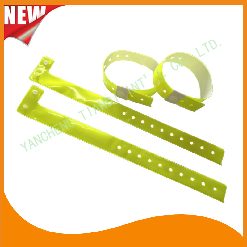 High Quality Entertainment ID Bracelets Vinyl Plastic Wristbands (E6070-20-11)