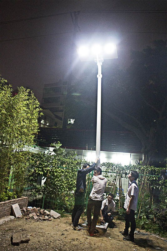 60W All in One/Integrated LED Solar Street Light with 5 Years Warranty