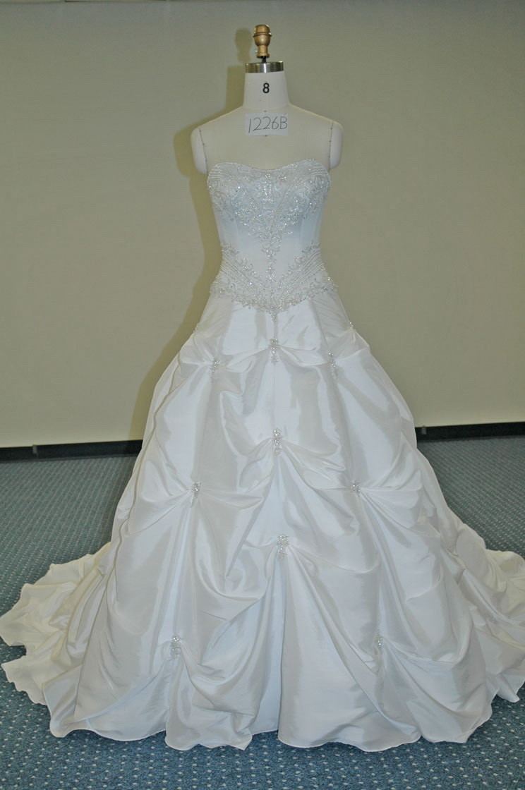 China Strapless Sweet Heart Swarovski Crystals Wedding Dresses ...