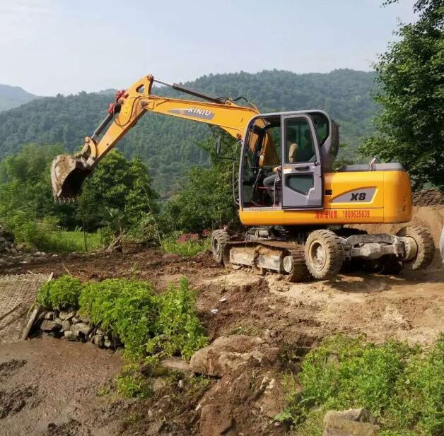 Good Price New Design Small Amphibious Excavator for Sale