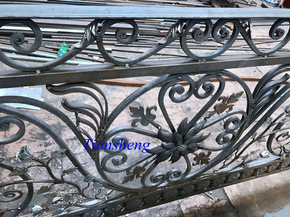 High Quality Customized Wrought Iron Railing