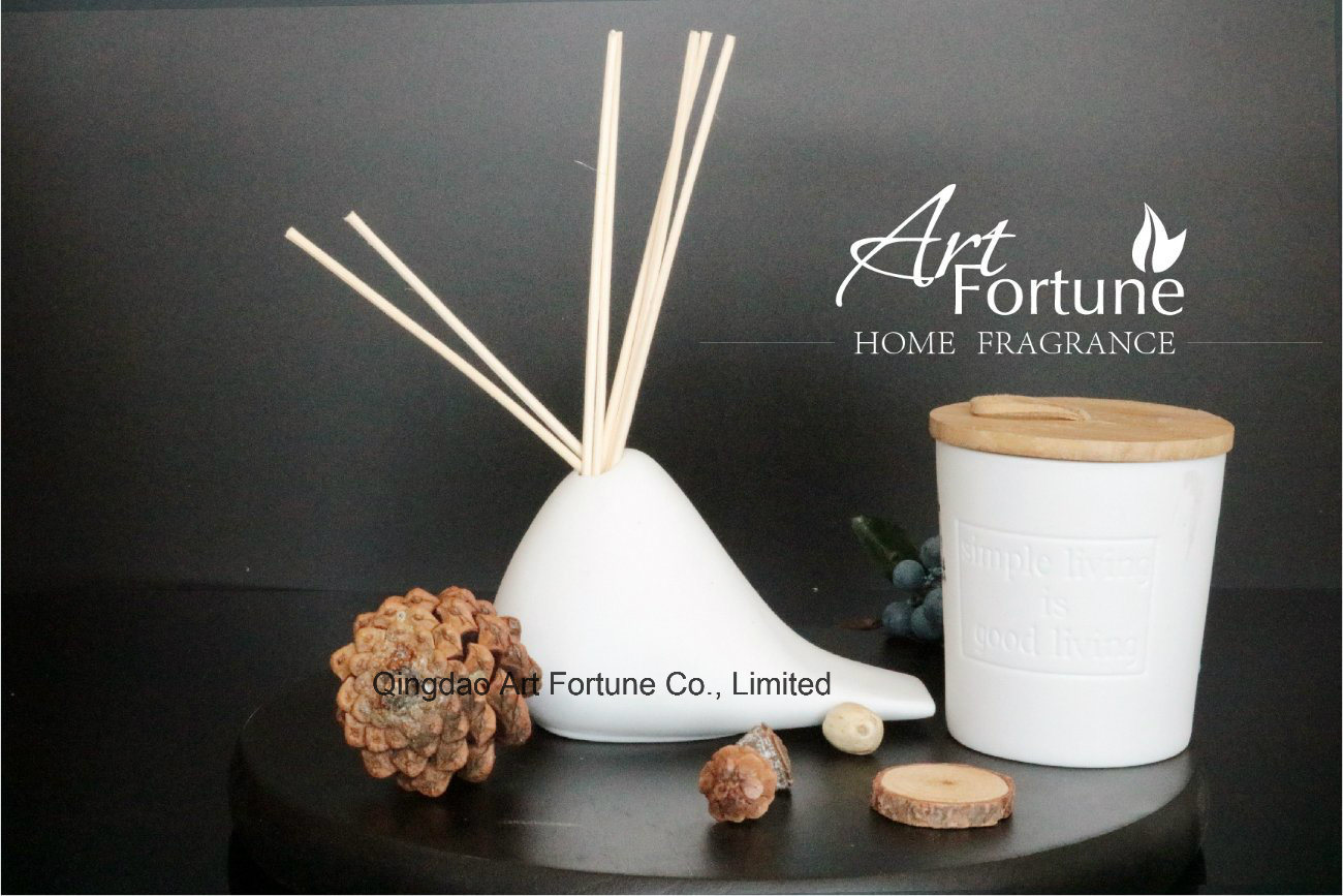 Hot Sale Fragrance Essential Oil Reed Diffuser with Ratten Sticks for Home Decor