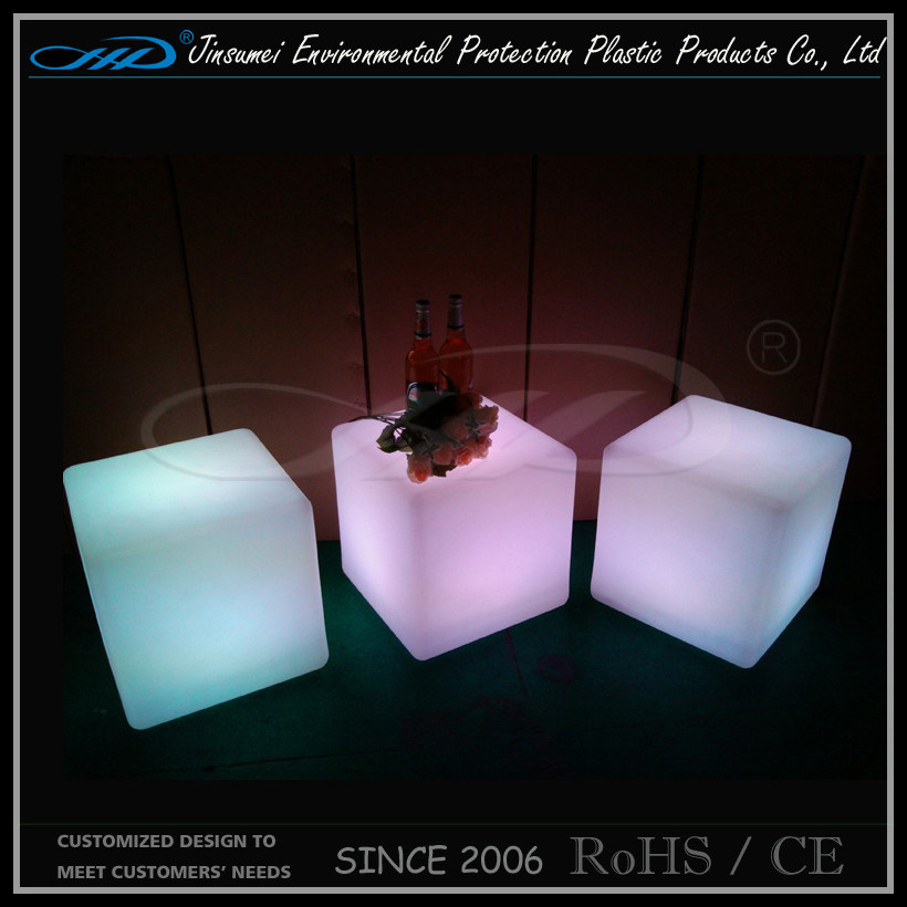 Factory Offered Rechargeable Color Changing LED Cube
