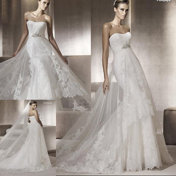 Wedding dress style: French lace wedding dress