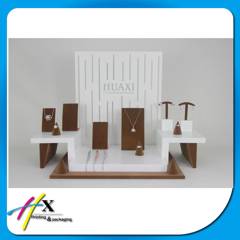 Custom Fashion Wooden Jewelry Display