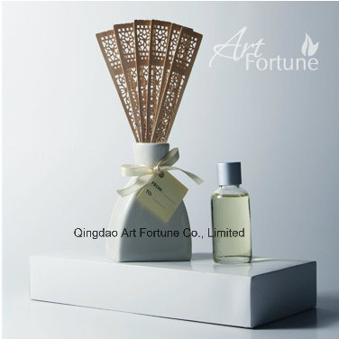 Hot Sale Essential Oil Reed Diffuser with Ratten Sticks for Home Fragrance