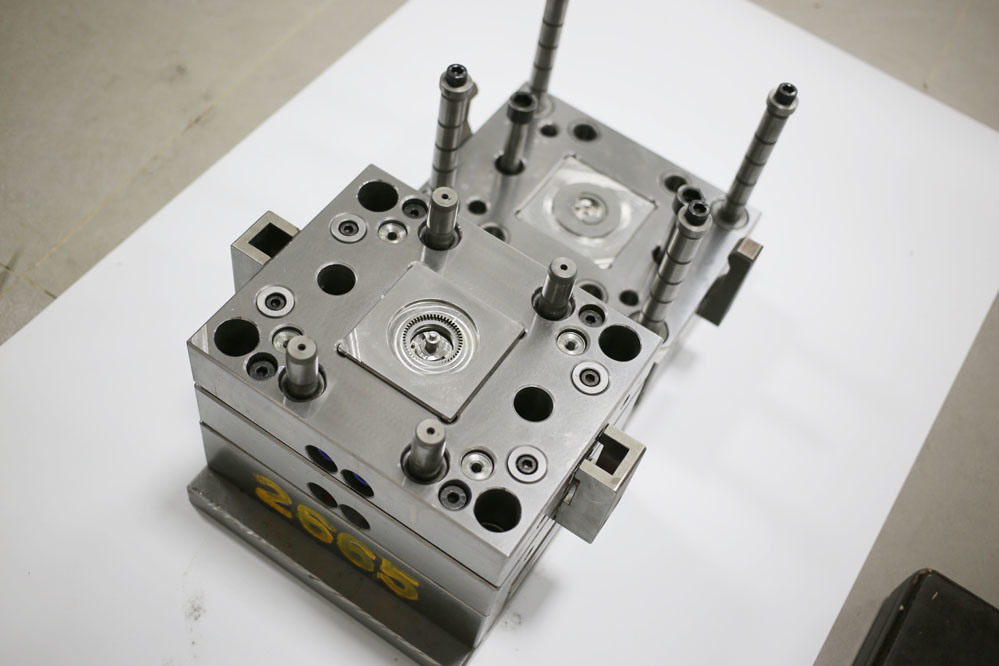 Pressure Set of Helical Gear Mould