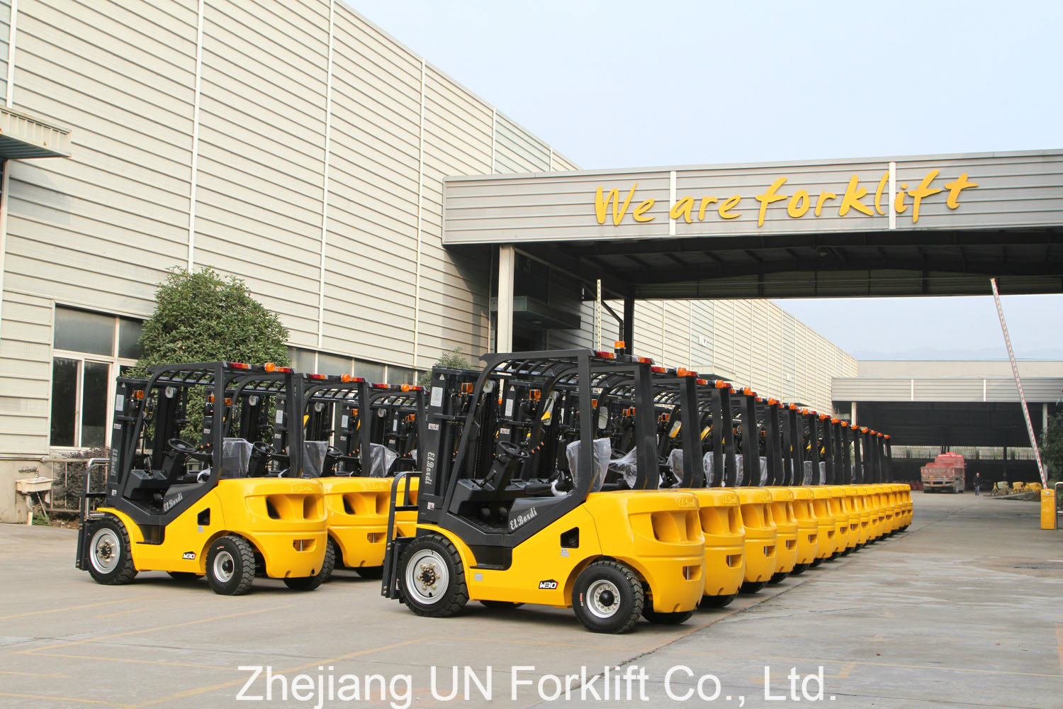 Small Capacity 3000kg 3.0t Side Shifter Triplex Mast Lifting Diesel Engine Container Forklift