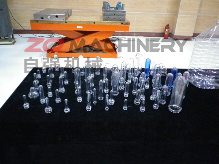 Plastic Bottle Maker Pet Automatic Blow Molding Machine (ZQ-B600-6 with CE)