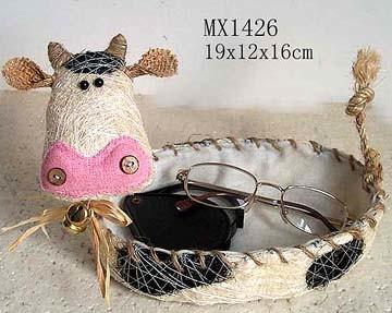 El juego de las imagenes-http://image.made-in-china.com/2f0j00SBLtFRKnfPkH/Home-Decoration-Cow-Basket-1426-.jpg