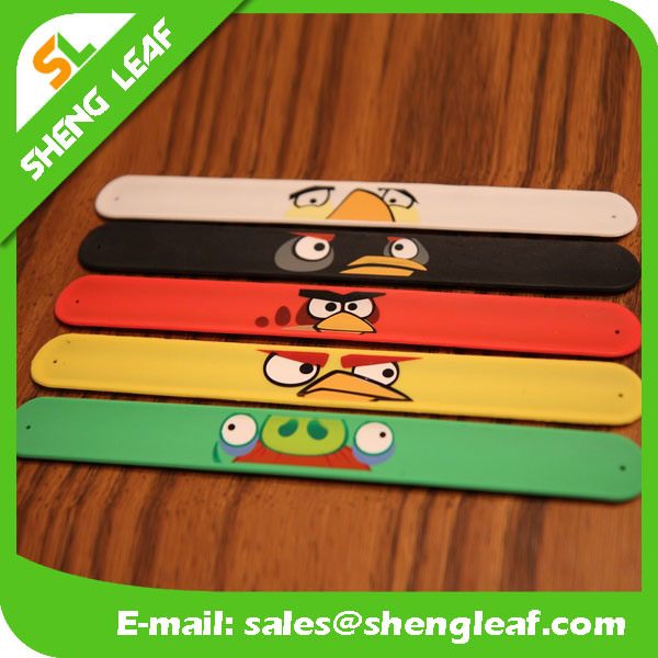 Cheap Promotional Custom Logo Silicone Snap Bracelet