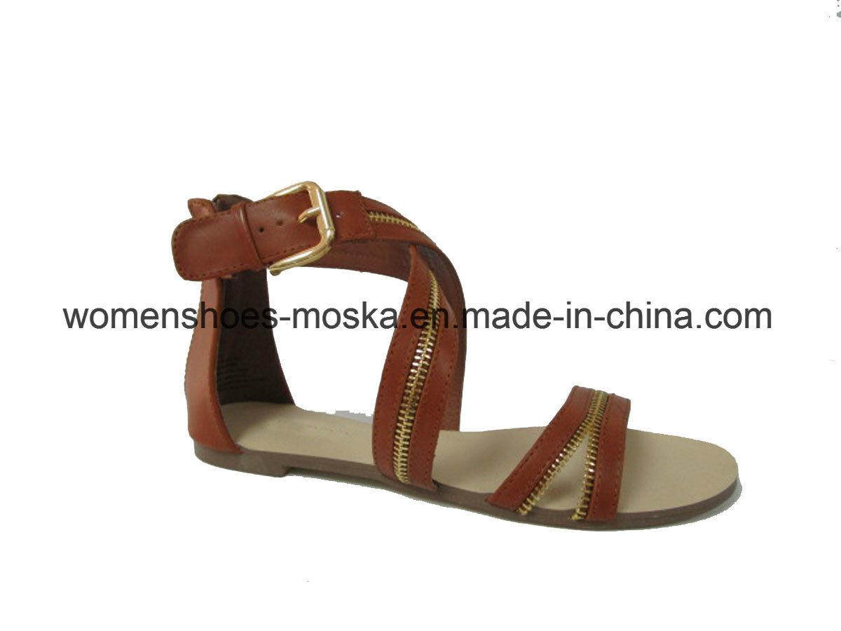 New Style Lady Fashion Flat Heel Sandal with Peep Toe