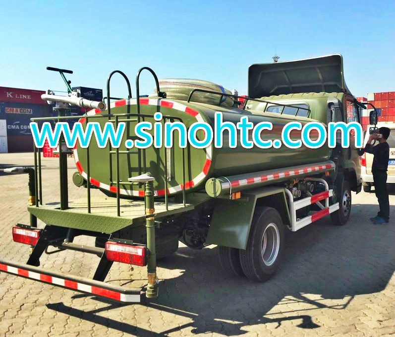Military 1200 Gallons sprinkler truck / watering cart